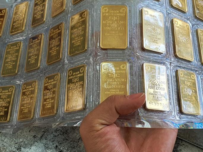 Lập kỷ lục mới, giá vàng SJC vượt xa mốc 51 triệu đồng/lượng