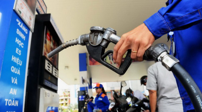 Giá xăng E5 được điều chỉnh tăng lên mức 15.129 đồng/lít