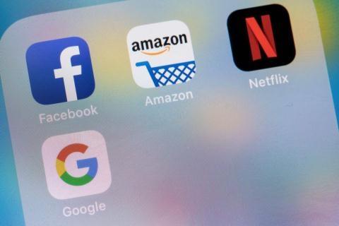 Mạng xã hội xuyên biên giới: Phải gỡ thông tin vi phạm khi có yêu cầu