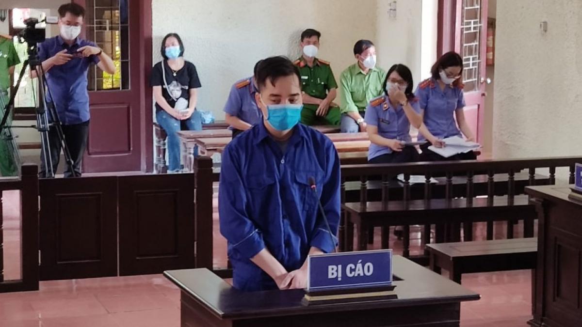Bị cáo Đào Duy Tùng tại phiên tòa xét xử