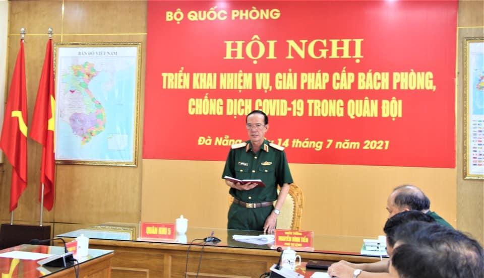 Thiếu Tướng Nguyễn Đình Tiến phó tư lệnh QK5 trong các cuộc hội nghị, họp gaio ban luôn nhấn mạnh việc phòng chống dịch và phun thuốc khử đối với nhiệm vụ và lực lượng chúng ta luôn luôn quan trọng dù trong bất cứ hoàn cảnh nào.