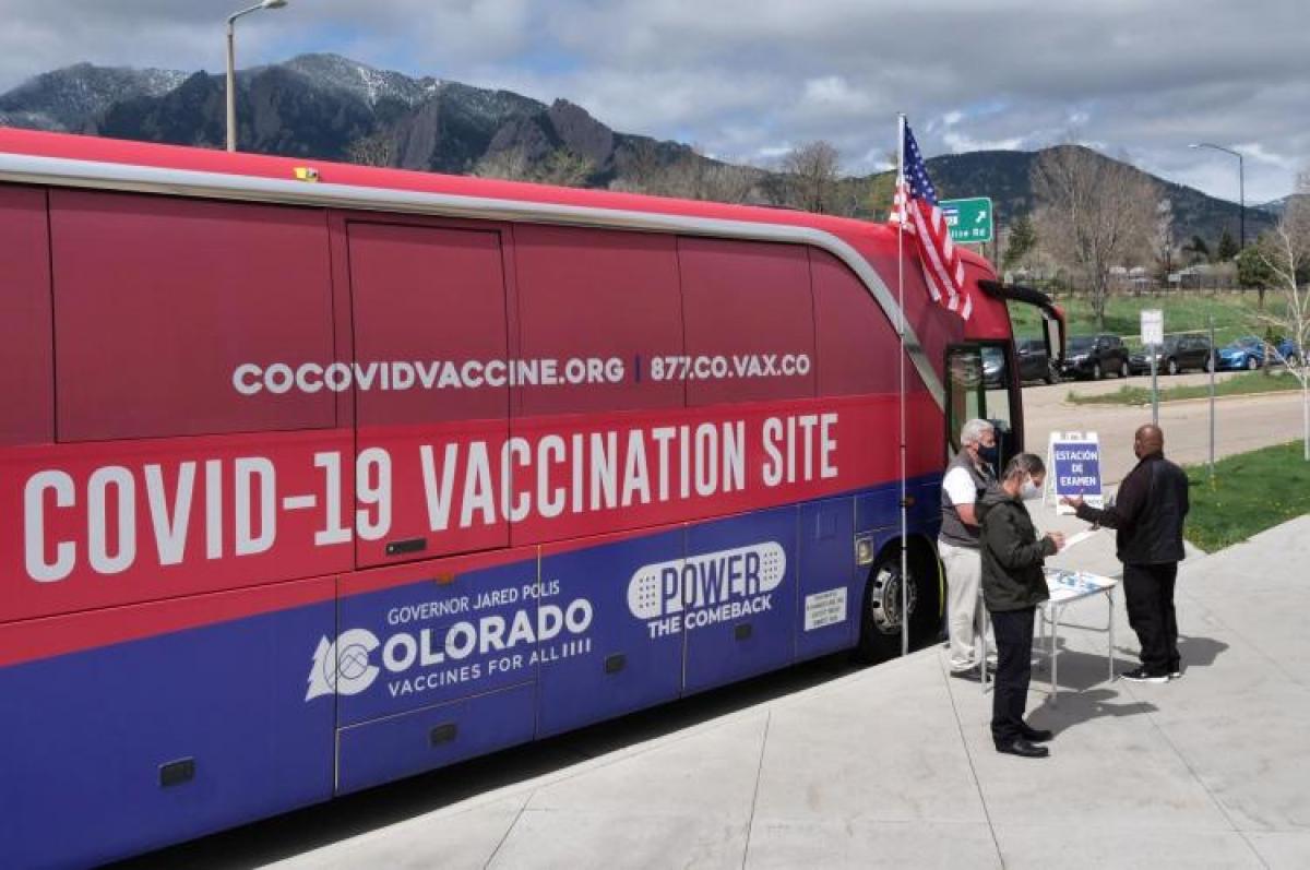 Nhiều nước triển khai sáng kiến tiêm chủng vaccine Covid-19 lưu động