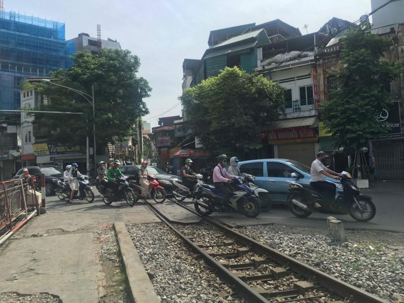 Cần giải pháp đồng bộ để đảm bảo an toàn giao thông đường sắt