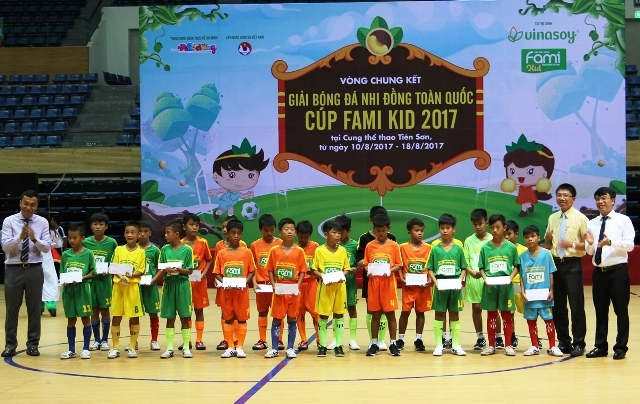 Khai mạc vòng chung kết Giải bóng đá Nhi đồng toàn quốc