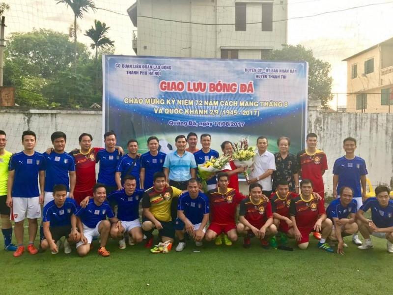 Giao lưu bóng đá giữa CĐ cơ quan LĐLĐ TP và CĐ cơ quan UBND Huyện Thanh Trì