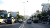 """Né giờ cấm, xe tải hạng nặng """"án binh bất động"""" trên đại lộ hàng giờ liền"""