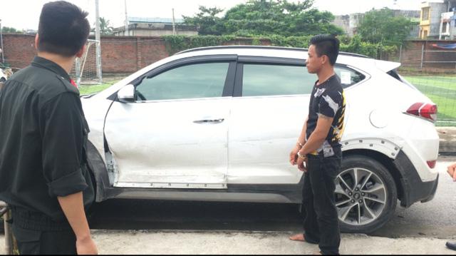 Quảng Ninh: Bắt khẩn cấp tài xế 'xe điên' chống đối, tấn công cảnh sát giao thông