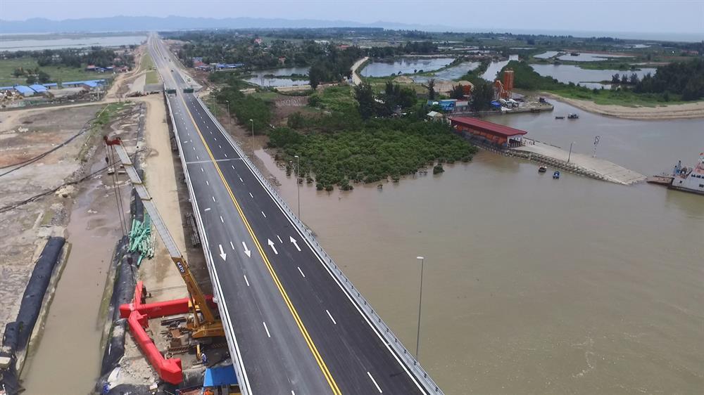 Ngắm cầu vượt biển dài nhất Đông Nam Á trước giờ thông xe