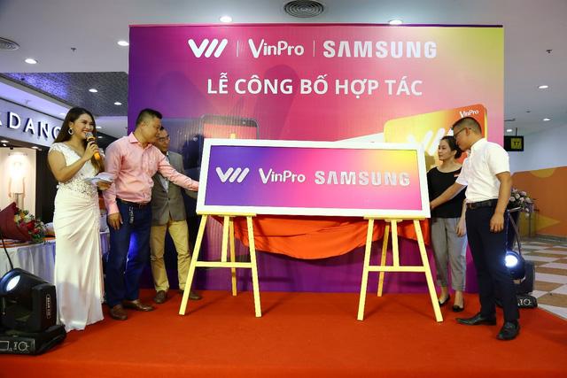 """VinPro, Samsung, Vietnamobile tạo """"Liên minh không tưởng"""": Lợi nhất là khách hàng"""