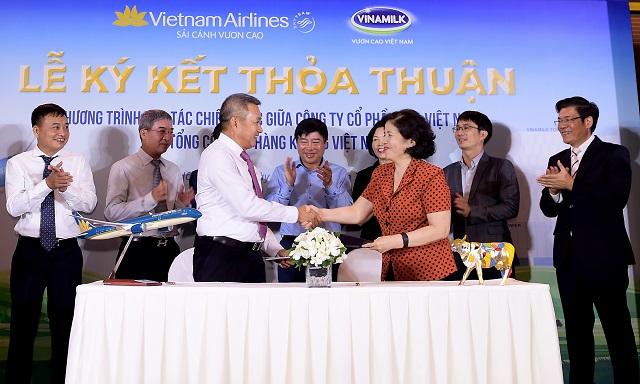 vietnam airlines va vinamilk hop tac chien luoc cung phat trien thuong hieu
