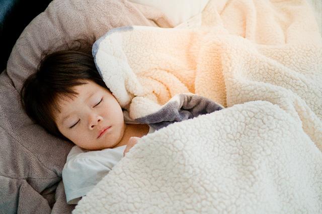 Tư vấn trực tuyến cùng chuyên gia: Tại sao ngủ ngon giúp bé thông minh hơn?