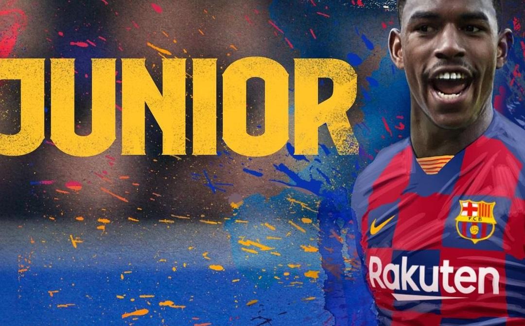 Junior Firpo trở thành tân binh thứ 4 của Barca