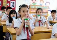 Hơn 1 triệu trẻ mẫu giáo và học sinh tiểu học thành phố Hà Nội tham gia chương trình Sữa học đường