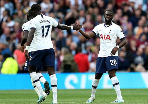 Tottenham 3-1 Aston Villa: Tân binh tỏa sáng Tottenham ngược dòng ngày khai màn