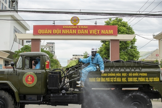 Quân đội đã vào cuộc khử khuẩn toàn bộ quận Sơn Trà Tp. Đà Nẵng