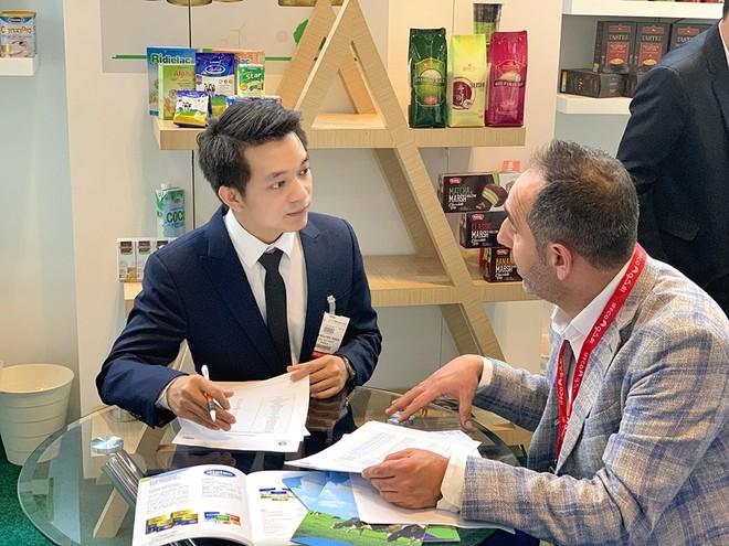 Anh Nguyễn Thanh Tuấn, nhân sự trưởng thành từ chương trình MT, hiện đang đảm nhiệm vị trí Trưởng bộ phận Kinh doanh Xuất khẩu (quản lý thị trường Trung Đông) tại Vinamilk