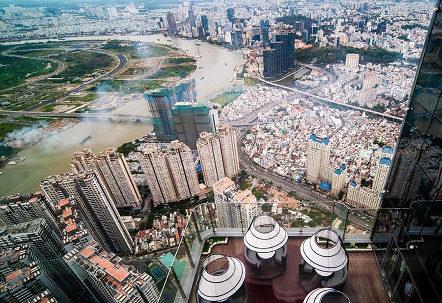 Lượng giao dịch giảm nhưng giá bất động sản vẫn giữ giá và thậm chí tăng. Ảnh: Thế Lâm.