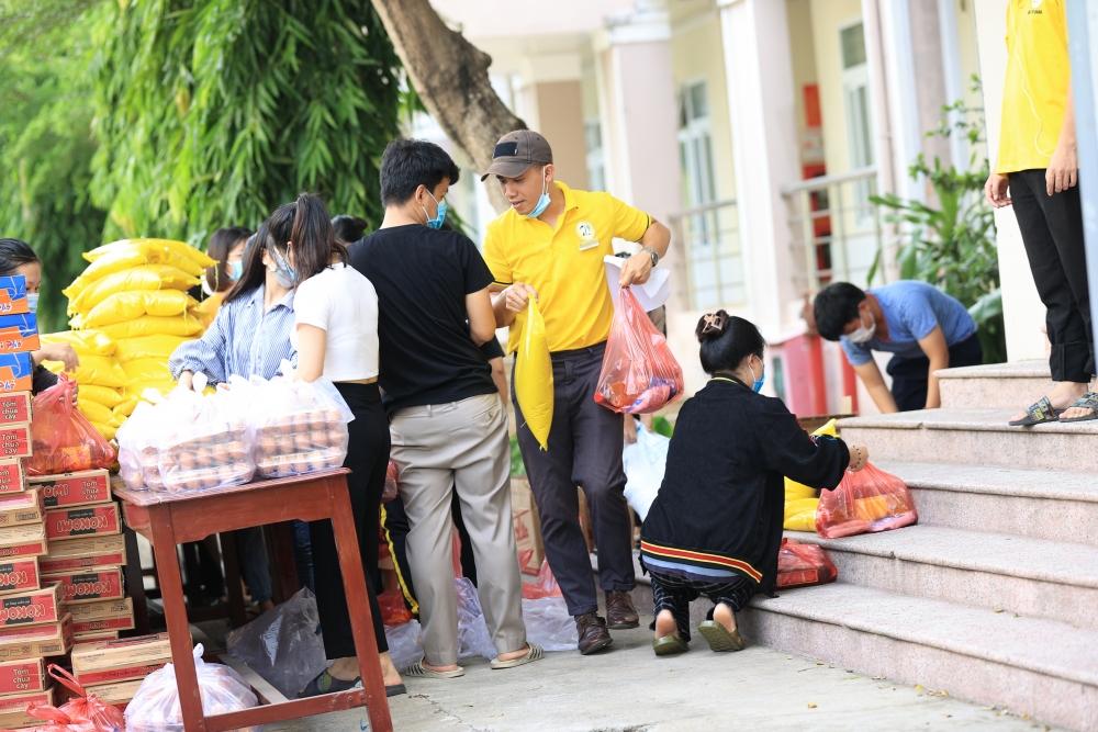 Vẫn mãi một tình bạn với sinh viên Lào trong đại dịch