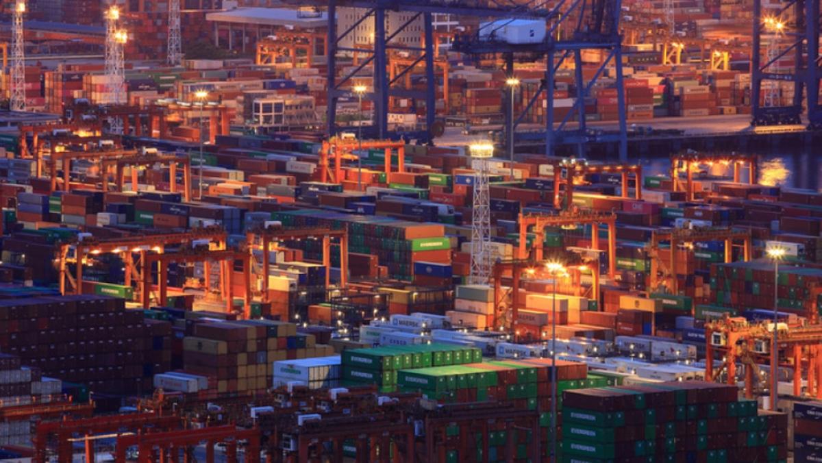 Chuỗi cung ứng toàn cầu đối mặt với thách thức gia tăng trong đại dịch Covid-19