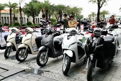 Kinh nghiệm sử dụng xe máy điện an toàn