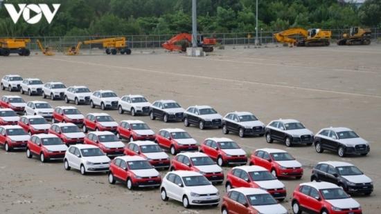 Nghịch lý trong giãn cách xã hội, xe nhập khẩu vẫn tăng hơn 100%?