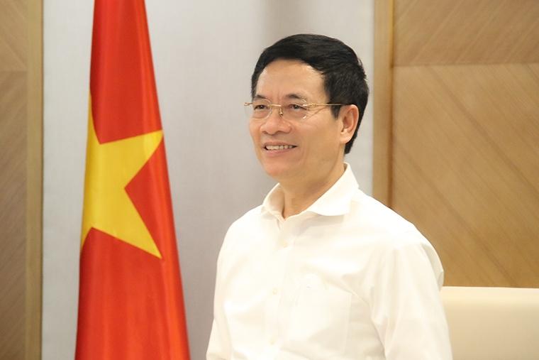 Bộ trưởng Nguyễn Mạnh Hùng gửi thư chúc mừng 75 năm ngày truyền thống ngành Thông tin và Truyền thông