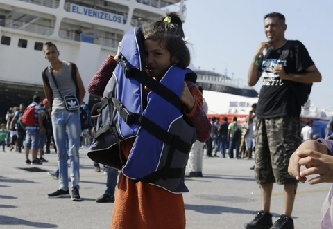 Châu Âu khốn đốn vì đội quân 30.000 người