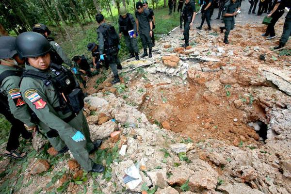 no bom o thai lan 3 canh sat thiet mang