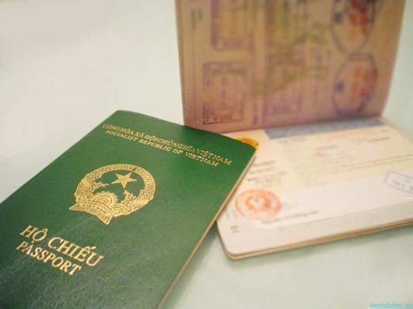 Cần làm gì khi mất hộ chiếu ở nước ngoài?