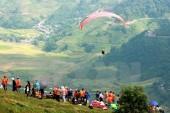 """Hơn 100 phi công tham gia Festival dù lượn """"Bay trên mùa vàng"""""""