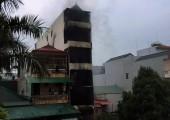 Hỏa hoạn tại Hà Nội, giải cứu 7 người, 2 người tử vong