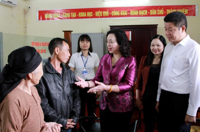 Huyện Quốc Oai: Đi đầu về cấp sổ đỏ cho người dân