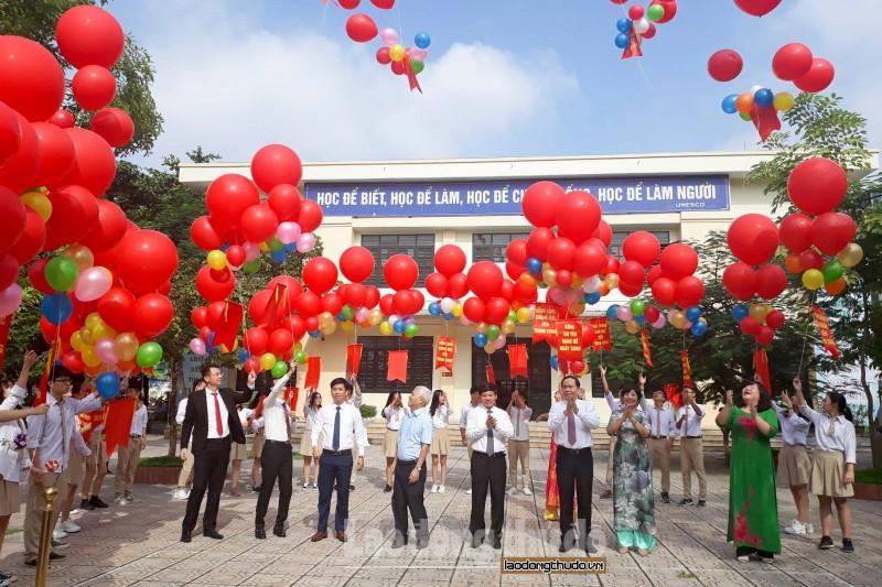 Học sinh Thủ đô tưng bừng khai giảng năm học mới