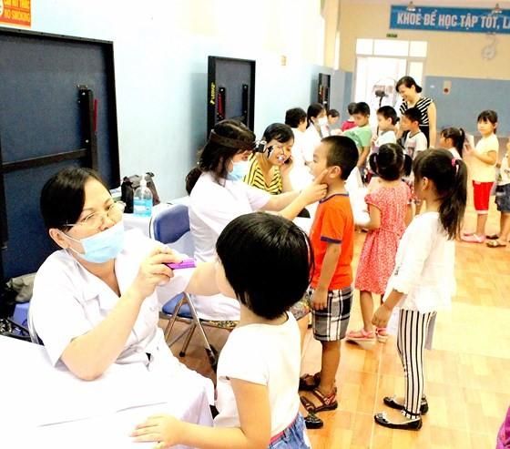 Bộ Y tế yêu cầu khẩn trương chống dịch mùa tựu trường
