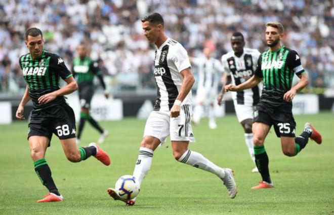 Juventus 2-1 Sassuolo: C.Ronaldo khai hỏa
