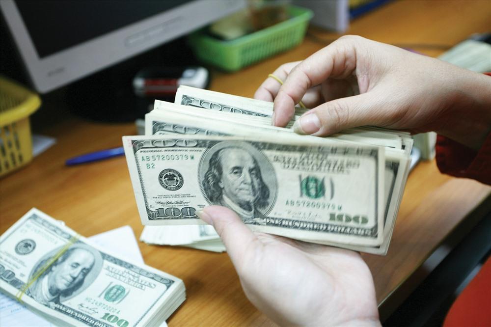 Tỷ giá ngoại tệ 3/9: Lo ngại thương chiến Mỹ Trung, USD loay hoay vùng thấp
