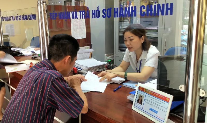 Hà Nội phấn đấu duy trì 100% thủ tục hành chính: Đáp ứng dịch vụ công trực tuyến mức độ 3, 4
