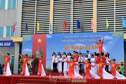 Học sinh Thủ đô hân hoan chào đón năm học mới
