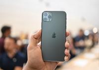 iPhone 11 xách tay về Việt Nam giá cao ngất: Khi nào mua có lợi nhất?