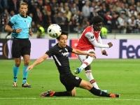 Frankfurt 0-3 Arsenal: Sao trẻ tỏa sáng, 'pháo thủ' mở tiệc bàn thắng