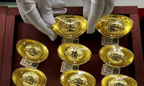 Giá vàng hôm nay 28/9: Tiếp tục giảm mạnh, có nên bán tháo gấp?