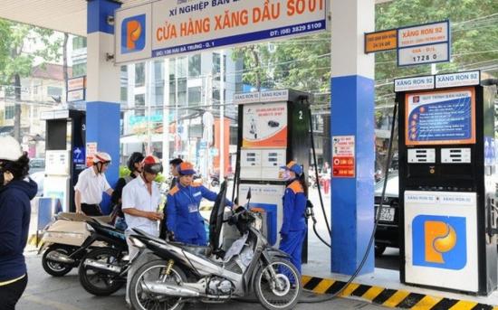 Giá xăng sẽ giảm mạnh vào ngày mai?
