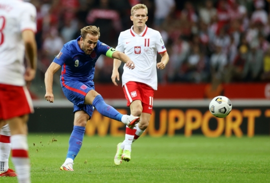 """Ngoại trừ tuyển Anh bị cầm chân, các """"ông lớn"""" khác đều giành trọn 3 điểm"""