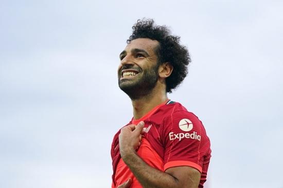 """Leeds 0-3 Liverpool: Salah bước vào """"ngôi đền của những huyền thoại"""""""