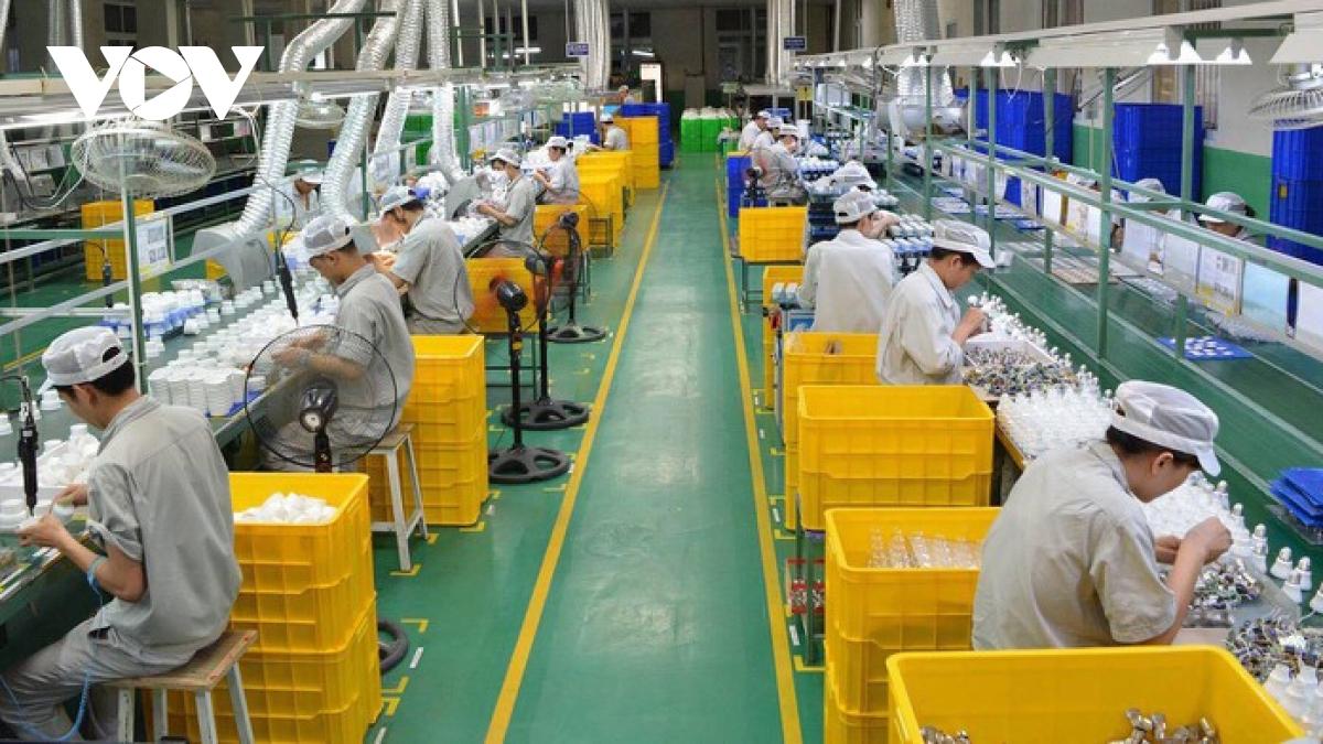 Chỉ tính riêng tác động của dịch Covid-19 tới nền kinh tế trong hơn 2 tháng trở lại đây, hoạt động sản xuất công nghiệp và thương mại đều có sự sụt giảm mạnh.