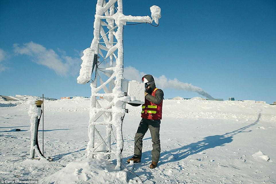Ảnh: Cuộc sống trong mỏ vàng lạnh giá nhất thế giới - 8