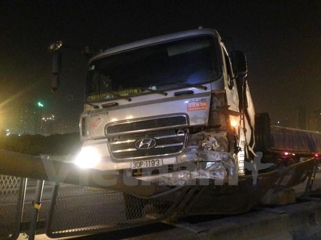 Hà Nội: Hai tai nạn giao thông nguy hiểm xảy ra trong đêm