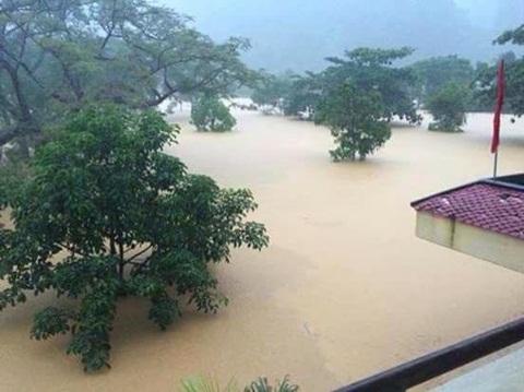 Kỷ lục mưa vừa bị phá vỡ tại miền Trung: 747mm/24 giờ !