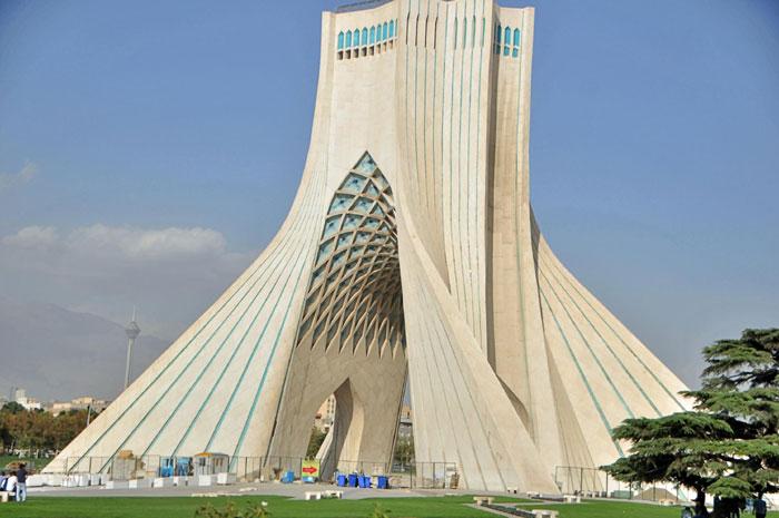 Tehran - vẻ đẹp giấu kín