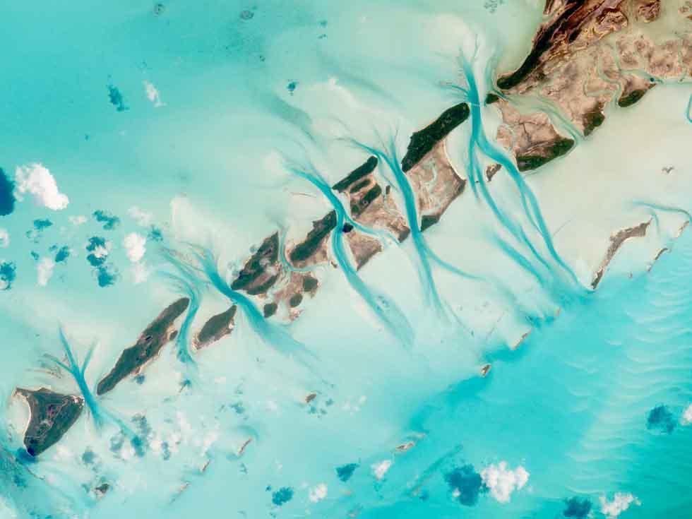 NASA hé lộ những hình ảnh tuyệt đẹp về trái đất